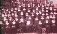 Schwestern im Jahr 1899